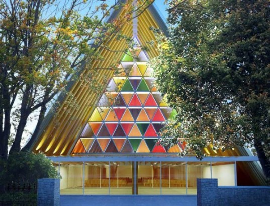 First Cardboard Cathedral Rises in New Zealand