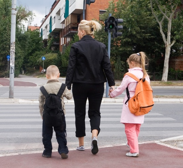 How to Bring Kids to School the Eco-Friendly Way